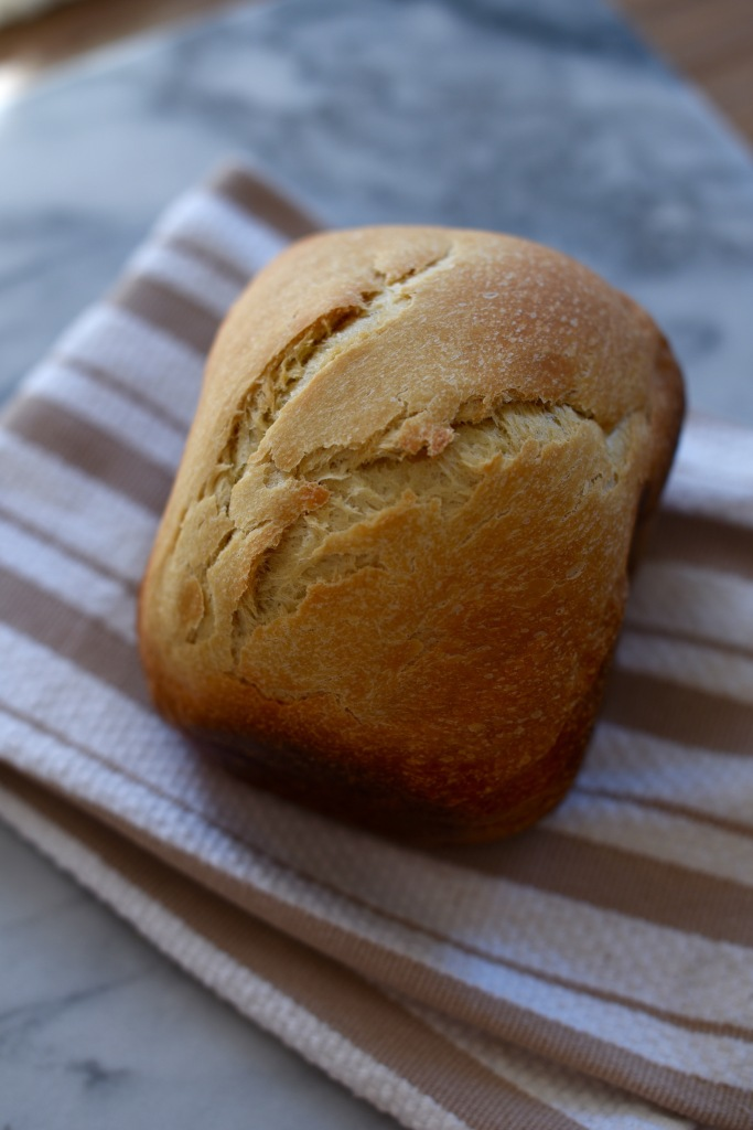 homemade white bread from the bread machine | simple pairings